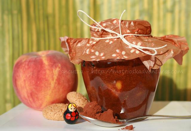 foto immagine Crema al cacao con pesche e amaretti
