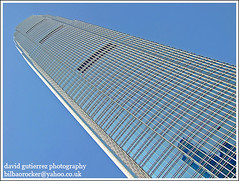IFC2 Hong Kong  Architecture (david gutierrez [ www.davidgutierrez.co.uk ]) Tags: china city urban hk building architecture skyscraper buildings spectacular geotagged photography hongkong photo arquitec
