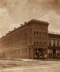 (animated stereo) Buildings in Atchison, Kansas (1870-1890) (Thiophene_Guy) Tags: thiopheneguy 19thcentury derivativeworks imagesharedbythewikimediacommons stereoview stereogram 3d animatedstereo animatedgif history wiggle wiggly jiggle jiggly motionparallax stereo parallax stereophotomaker animated gif blackandwhite monochrome conklin kleckner conklinkleckner atchison kansas ks regnier shoup regniershoup noyes senoyesco blishmizesilliman 1875 queensware horse buggy men commerce street 1870s wigglegram ぷるぷる プルプル3d プルプル