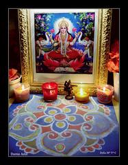 Happy Diwali! Namaste (Dama_Azul II) Tags: flores color luz festival luces arte altar aceite om diwali dibujos velas belleza fuegosartificiales riqueza culto deepawali kolam rangoli mantra deepavali diosa tradicin budismo decoracin monedas incienso lmparas religin prosperidad divinidad consorte fiestareligiosa hinduismo jainismo festivaldelasluces diosganesha sijismo lakshm diosalakshm diosvishn aonuevohind ritualsagrado