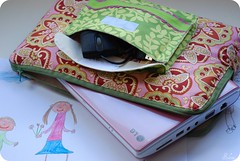 Capa para o notebook :) (selenis) Tags: nikon handmade drawing artesanato 2009 desenho 50mmf18 notebooksleeve d80 mulherdegengibre capadenotebook handcreft