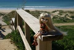 Clover LF Tarifa (Angie Zu Heltzer) Tags: feet beach foot doll godzilla planning pullip clover paja jun tarifa godzila junplanning