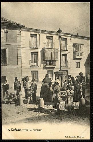 Plaza del Padre Juan de Mariana (Toledo) a principios del siglo XX. Fotografía Lacoste