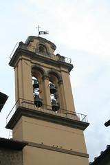 Il campanile di S. Maria delle Carceri (Gianluca Ermanno (aka Vygotskij 30.000)) Tags: italien italy bells italia cross flag churches tuscany toscana prato italie italians croce bandiera belltowers campanili chiese campane italianbelltowers