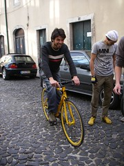 Looking fixie-like cool