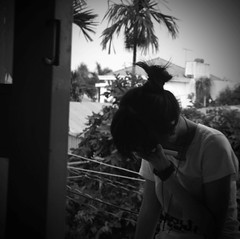 Echoes (Syka L Vy) Tags: blackandwhite girl hair echoes pinkfloyd vietnam vy dreamer 2009 sleepwalker l blackwhitephotos syka vng closemyeyes fromsykawithlove sykalevy lehoangvy sundayspirit