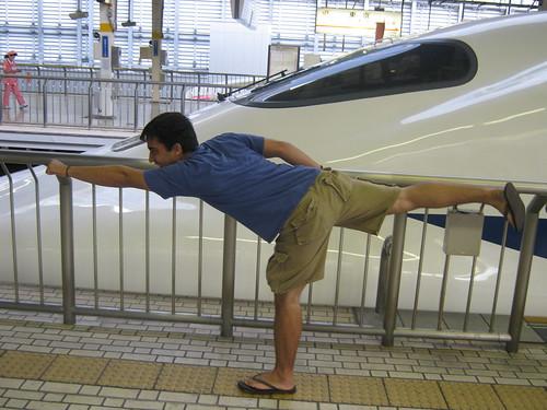 Lost by a nose! Dave vs. a Hikari Shinkansen