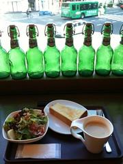 ラヴァンデリで朝食なう