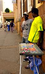 Mestiere di strada (livia.com) Tags: africa strada south pretoria caramelle venditori
