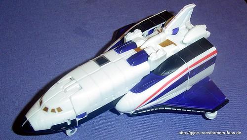 Astrotrain Neo-Classics Deluxe  Transformers 001