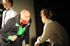 Oma, Neffe und Blume. (Die AZUBIS) Tags: theater performance kirche walser fischer weis selbstmord freitod nehlsen nimmermeer alerssuizid