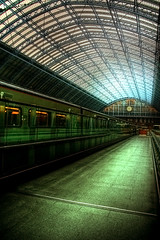St Pancras International (simonlesleyphoto) Tags: london station st train canon eos 350d cross eurostar north central platform sigma rail trains east international kings pro express pancras hdr overground midlands photomatix 8200mm