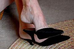DSC_0299jj (ARDENT PHOTOGRAPHER) Tags: woman sexy stockings legs muscular mature footfetish calves shoefetish veiny