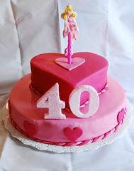 Pink! (Mariana Pugliese) Tags: rosa 40 cumpleaños fucsia hadas corazones dospisos tortacorazon 241543903 marianapugliese