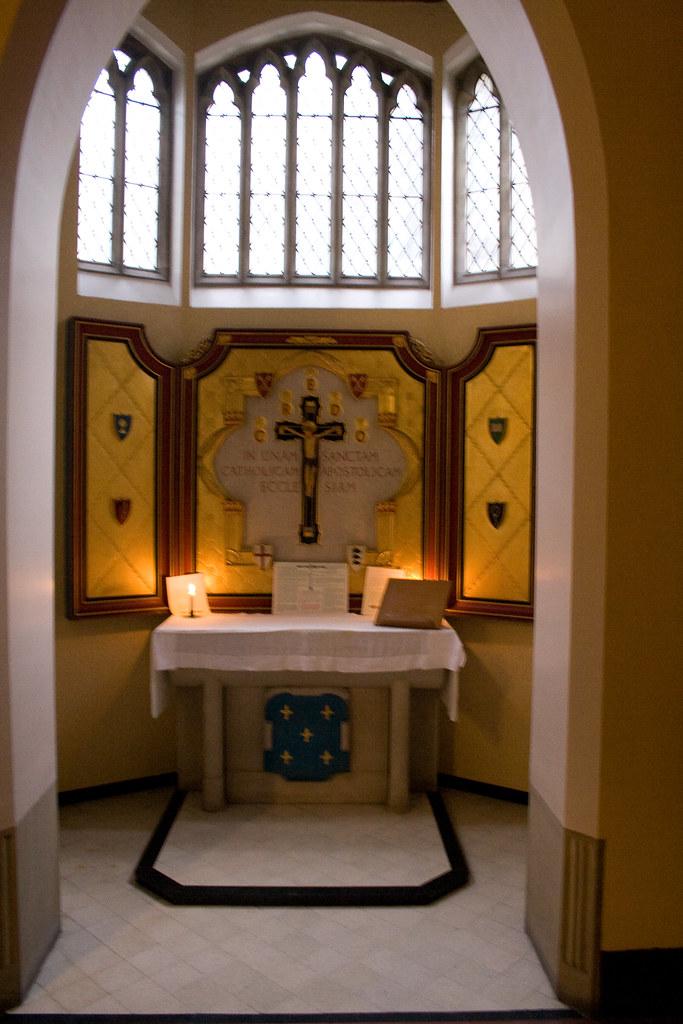 Side altar2