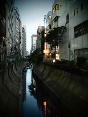 shibuya river at evening (haribote) Tags: japan pen geotagged tokyo cityscape shibuya olympus snap zuiko ep1 artfilter geo:lat=35657671 mzuikodigital17mmf28 geo:lon=139702953