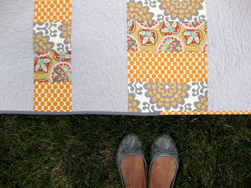 w/ shoes: Gray Tangerine Stacked Coin Baby Quilt