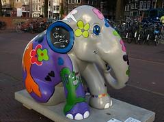 ELEPHANT PARADE AMSTERDAM (Rick & Bart) Tags: elephant color colour amsterdam bowie nederland thenetherlands exhibition olifant smrgsbord kleuren elephantparade botg gerardcox rickbart olifantenparade rickvink elephantpardenl