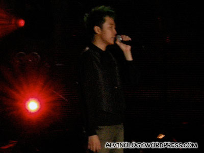 Lead singer, Qing Feng
