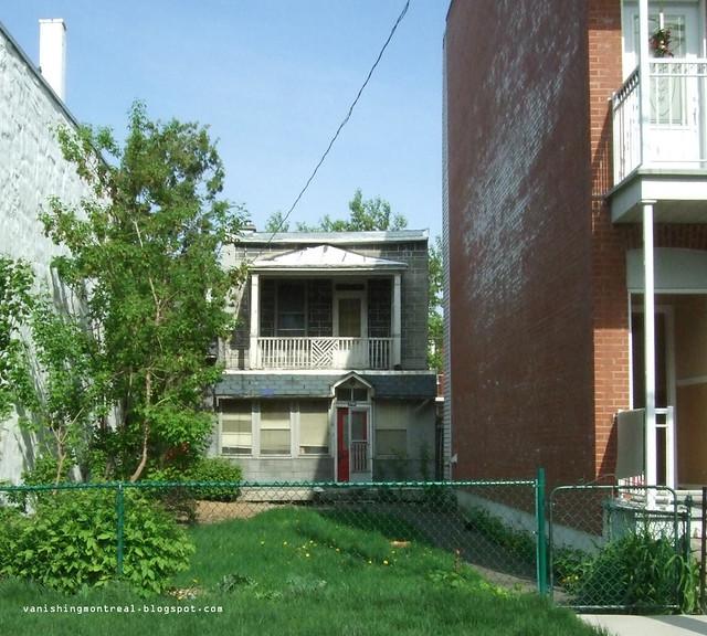 Small house - Verdun 1