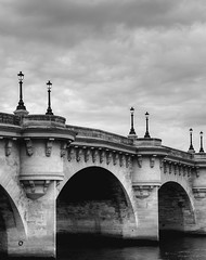 le Pont Neuf (AO-photos) Tags: bridge paris france seine clouds nikon pont nuages hdr pontneuf lampadaires d300s