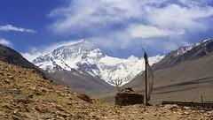 Rongbuk and Jomo Langma (reurinkjan) Tags: 2002 nature nikon tibet everest rongbuk tingri jomolangma tibetanlandscape janreurink rongphuchu བོད། བོད་ལྗོངས།