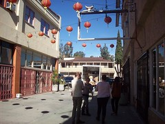 (heavy puff) Tags: california chinatown ray shadows christine francesca aurora