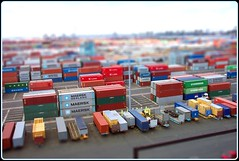 Shipping Containers Tiltshifted.. (Stuart Axe) Tags: docks miniature dock box fake shift container evergreen cast po sealand containership hyundai tilt boxs yangming msc hanjin shippingcontainer kline hapaglloyd faker cosco tiltshift maersk intermodal nedlloyd chinashipping uniglory fakeminiature tiltshifted bigmetalbox ponedlloyd tiltshifter columbusline