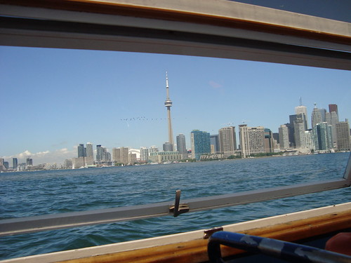 boat tour of harbour and the TO skyline