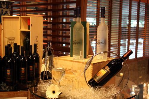 La Dolce VIta with Castello Banfi Wine 2