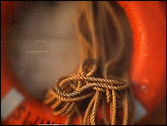 safety ring (sulamith.sallmann) Tags: orange detail rope safety ring round polen string rund challenger xyz swinemnde leine seil swinoujscie rettungsring schnur beschlagen kordel sulamithsallmann macromondays rettungsleine trashbit fu0 swinoujscieswinemnde