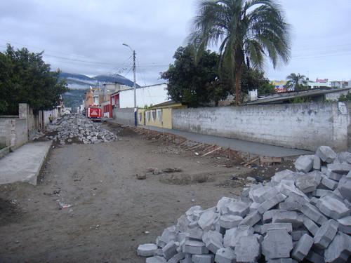 cotacachi-road-work