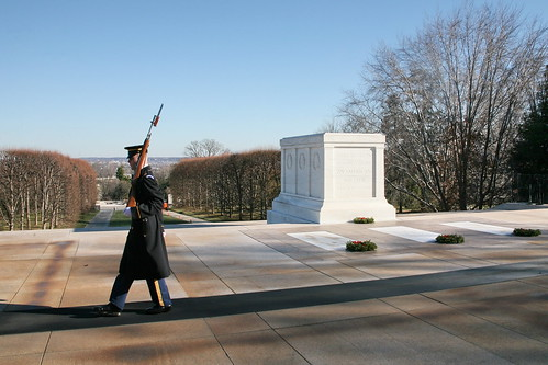 veterans day ceremony at tomb of unknowns