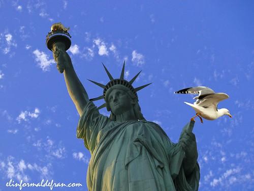 Estatua de la libertad gaviota