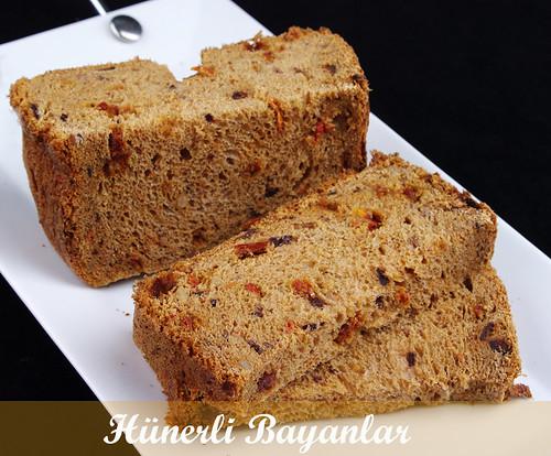 Kurutulmuş Domatesli - Zeytinli Ekmek