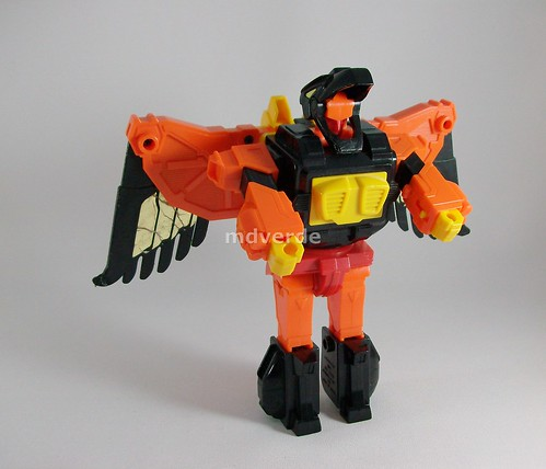 Transformers Divebomb G1 - modo robot (by mdverde)