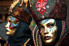 fashion | Carnevale (arnabchat) Tags: carnival venice portrait italy color colors face dark golden eyes colorful europe dof mask double carnevale venezia favs 2009 sanmarco maschera veneto carnevaledivenezia carnivalofvenice venicecarnival canon400d arnabchat arnabchatterjee carnevaledivenezia2009