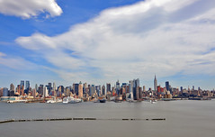 TGIF from sunny New York (Wils 888) Tags: nyc newyorkcity sky usa newyork building skyline buildings river interestingness nikon day manhattan sunny midtown explore hudson tgif d90 nikond90