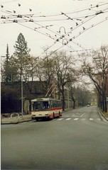 Hradec Krlov  Czechoslovakia  koda 14Tr Trolleybus nr 12, Feb 1992  - later  172 in Bulgaria (sludgegulper) Tags: 1992 12 bohemia czechoslovakia 172 trolleybus skoda draht hradec obus hradeckralove hradeckrlov kralove trolejbus oberleitungsbus  kniggrtz 14tr