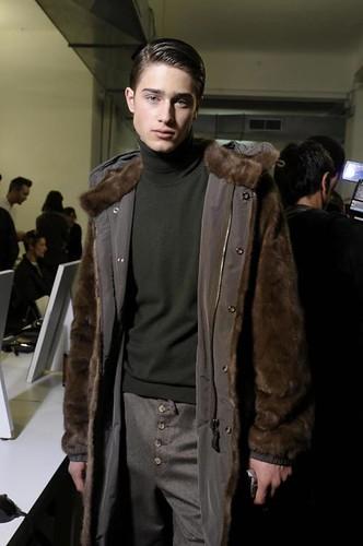 Aram Gevorgyan3010_FW09_Milan_Moschino BS(Frillr.com)