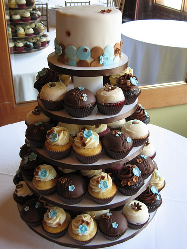 Flickriver: Photoset 'Wedding Cupcakes' by jdesmeules (Blue Cupcake)