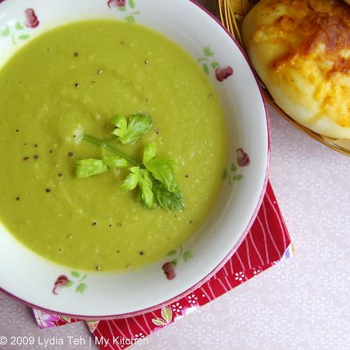 Creamy Green Peas Soup
