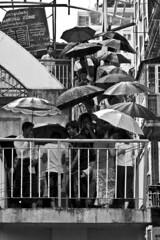 Escalera de paraguas - Umbrella stairway (Iñigo Escalante) Tags: travel viaje people white black blanco stairs umbrella canon photography asia photographer y gente earth retrato yangon burma iñigo negro bilbao escalera viajes myanmar fotografia paraguas bizkaia vasco euskadi vizcaya escalante bilbo pais viajar fotografo barakaldo traveler baracaldo euskal herria birmania rangun canonistas fotografobilbao fotografobarakaldo