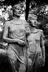 Soft (melquiades1898) Tags: bw sculpture friedhof film cemetery statue analog 35mm germany hessen skulptur sw hp5 analogue unfocused unscharf ilford ricoh darmstadt 400asa merck schwarzweis waldfriedhof kleinbild forestcemetery ricohkr10m