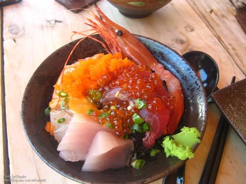 超級無敵海景海鮮丼