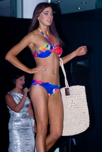 : colour, bikini, babe, fashionshow, d200, sexy