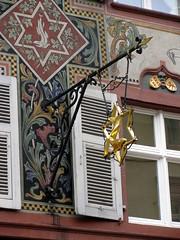 Wirtshausschild in Rheinfelden im Kanton Aargau in der Schweiz (chrchr_75) Tags: hurni christoph schweiz suisse switzerland svizzera suissa swiss kanton aargau rheinfelden stadt city ville altstadt stadtrundgang spaziergang chrchr chrchr75 chrigu chriguhurni 0909 wirtshausschilder wirtshausschild schild albumwirtshausschilderschweiz sveitsi sviss スイス zwitserland sveits szwajcaria suíça suiza chrighurni chriguhurnibluemailch hurni090916 albumsstadtrheinfelden stadtrheinfelden zähringerstadt albumzähringerstädtederschweiz kantonaargau