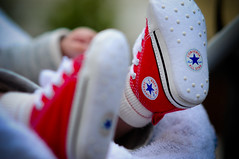 Little Stars (Federica Mu ) Tags: red shoes 85mm converse syria allstar f25 littlefeet piedini explored