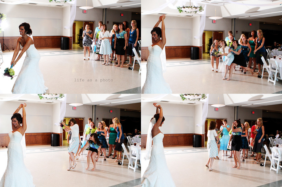 bouquet toss b