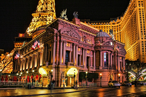 Paris Las Vegas by Dave Toussaint (www.photographersnature.com).